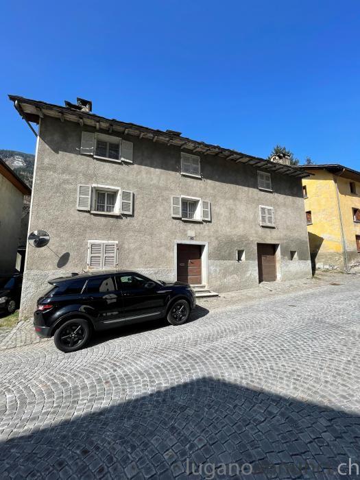 Casa patriziale da ristrutturare a Mesocco CasapatrizialedaristrutturareaMesocco-606d72fae8e2b.jpg