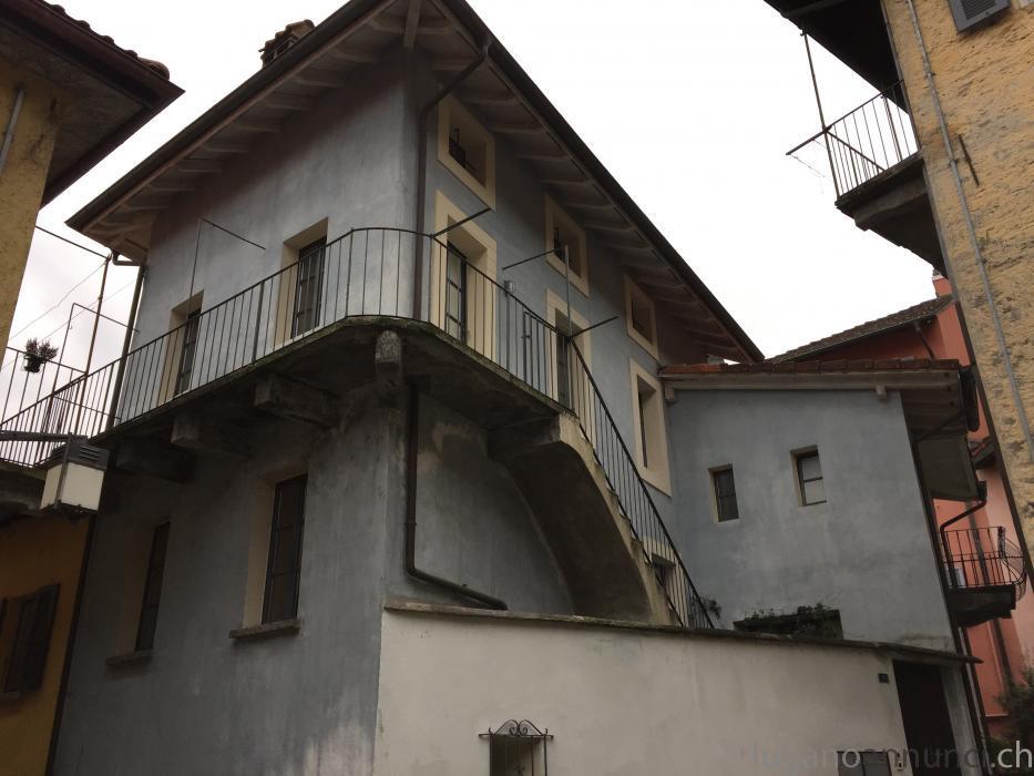 Nel centro storico di Locarno NelcentrostoricodiLocarno.jpg