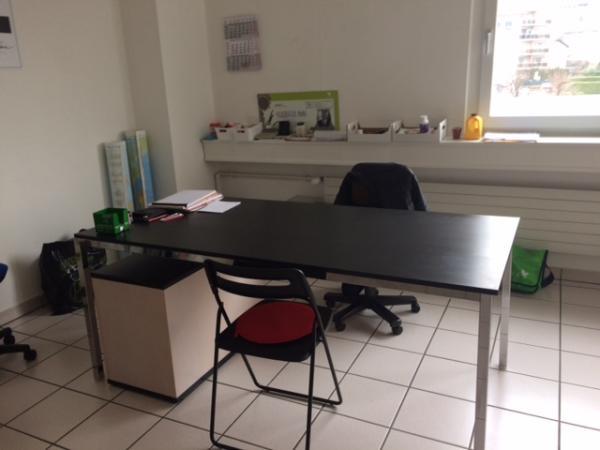 Vendo bellissimo tavolo 450750a.jpg
