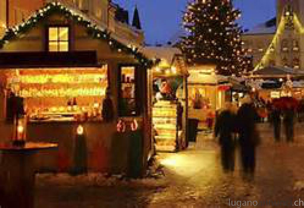 Casette di legno per mercatini di Natale CasettedilegnopermercatinidiNatale.jpg