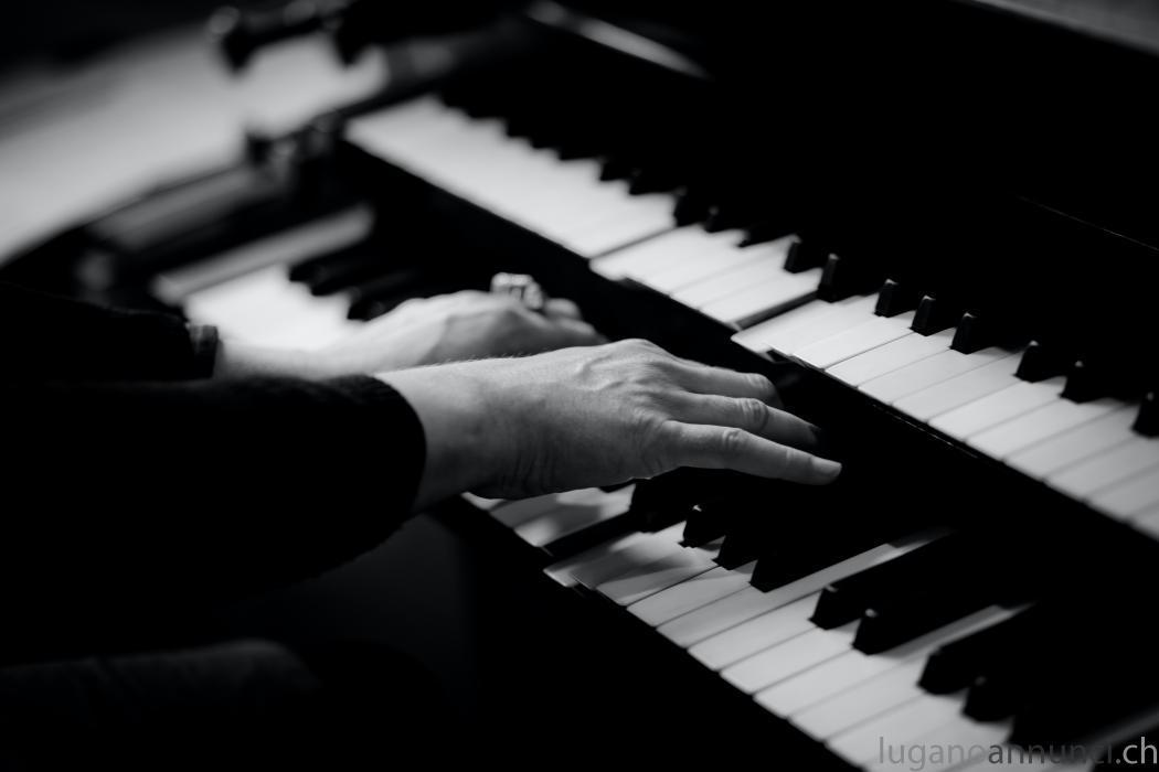 Pianista e organista per suonare a matrimoni Pianistaeorganistapersuonareamatrimoni.jpg