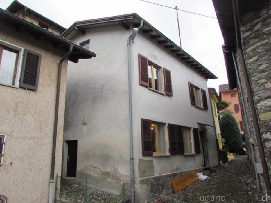 Casa da nucleo ristrutturata di 3.5 loc. a Miglieglia Casadanucleoristrutturatadi35locaMiglieglia.jpg