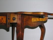 Tavolino in stile (Epoca Restaurazione)...