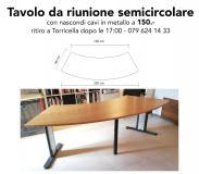 Tavolo da riunione semicircolare