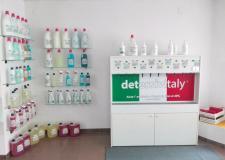 Negozio di saponi al taglio, detersivi e profumi sfusi