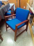 Sedie in legno massello con cuscini