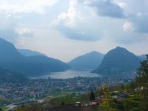 Nuova, introvabile villa 5,5 locali in alto standing vista lago a Comano.