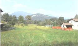 Vendesi Terreno edificabile di 1150 mq nel comune di Leggiuno ( Varese)