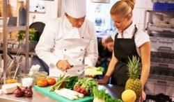 chef di cucina cerca lavoro a ore in cucine di produzione