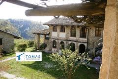 Borgata ristrutturata in Alta Langa