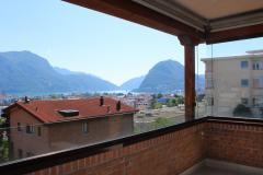 Bellissimo 4,5 finemente ristrutturato con meravigliosa vista lago a Lugano.