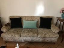 Vendo divano a tre posti