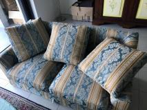 Vendesi 2 divani a 2 posti