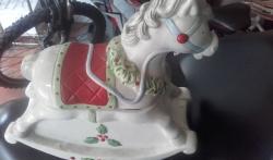 Cavalluccio porta oggetti a dondolo
