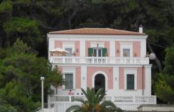 Splendida Villa aRodi Garganico per vacanze estive SplendidaVillaaRodiGarganicopervacanzeestive-5cc81e2dc2a7a.jpg