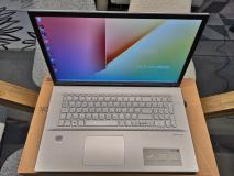 ASUS VivoBook 17,3'' con 2 anni di garanzia