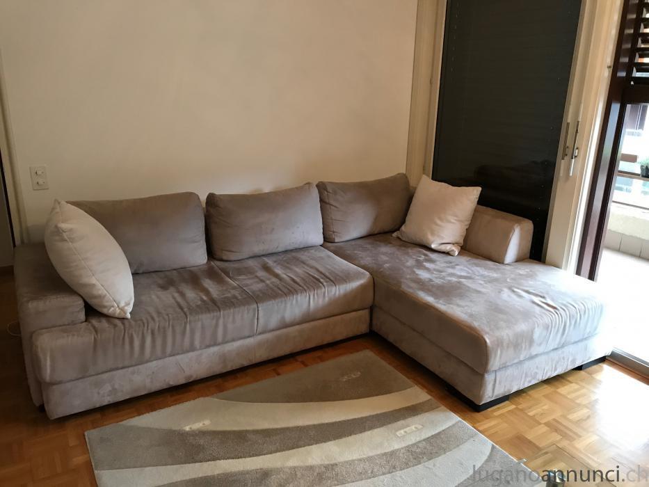 Vendo divano letto angolo salotto. Vendodivanolettoangolosalotto.jpg