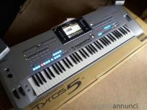 Tasti di Yamaha Tyros5 76  ...