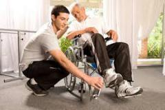 aiuto a anziani nel luganese